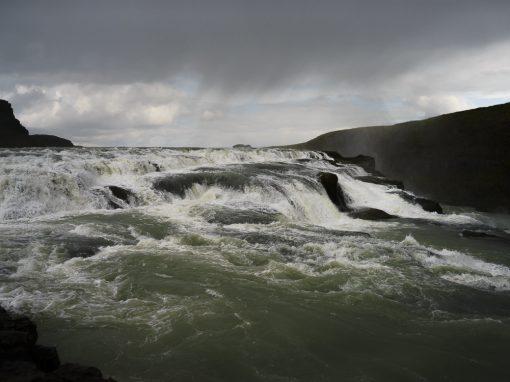 """<span class=""""BlurbAthinaPhoto""""><i class=""""fa fa-camera""""></i></span><br />Islande"""